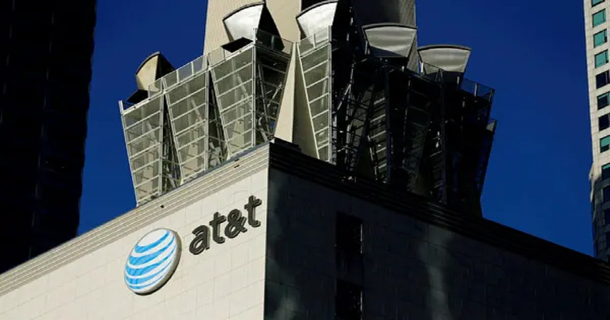 AT& T to resume advertising on YouTube